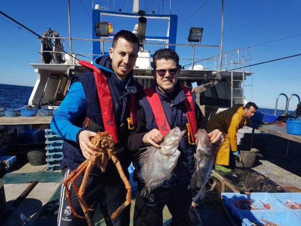 clientes con capturas de un dia de pesca-turismo